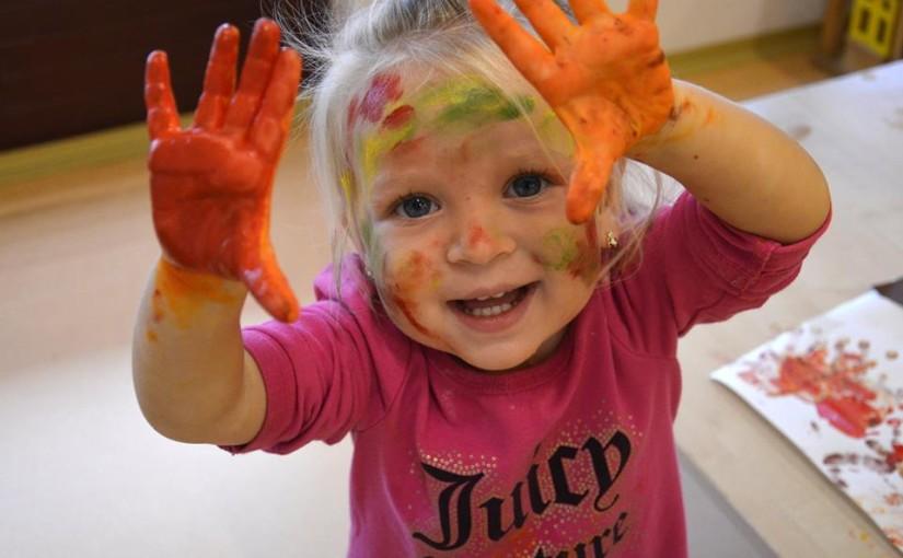 Třídíme barvy – jednoduchá hra pro děti