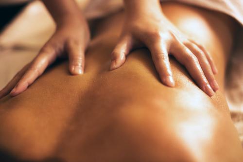 massage-hands-500w